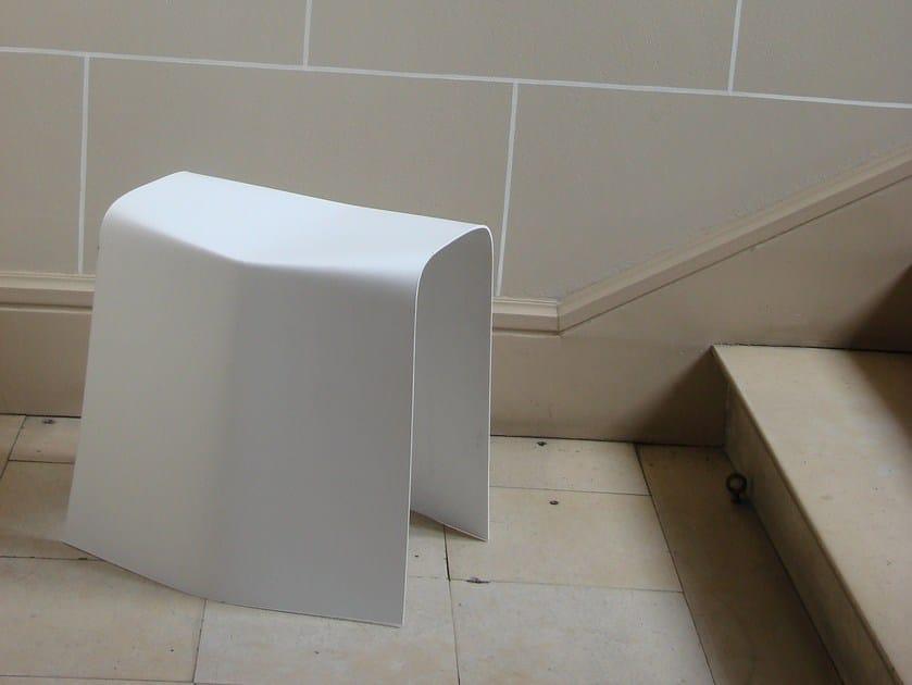 Glass-fibre stool FOLDSTOOL by Specimen Editions