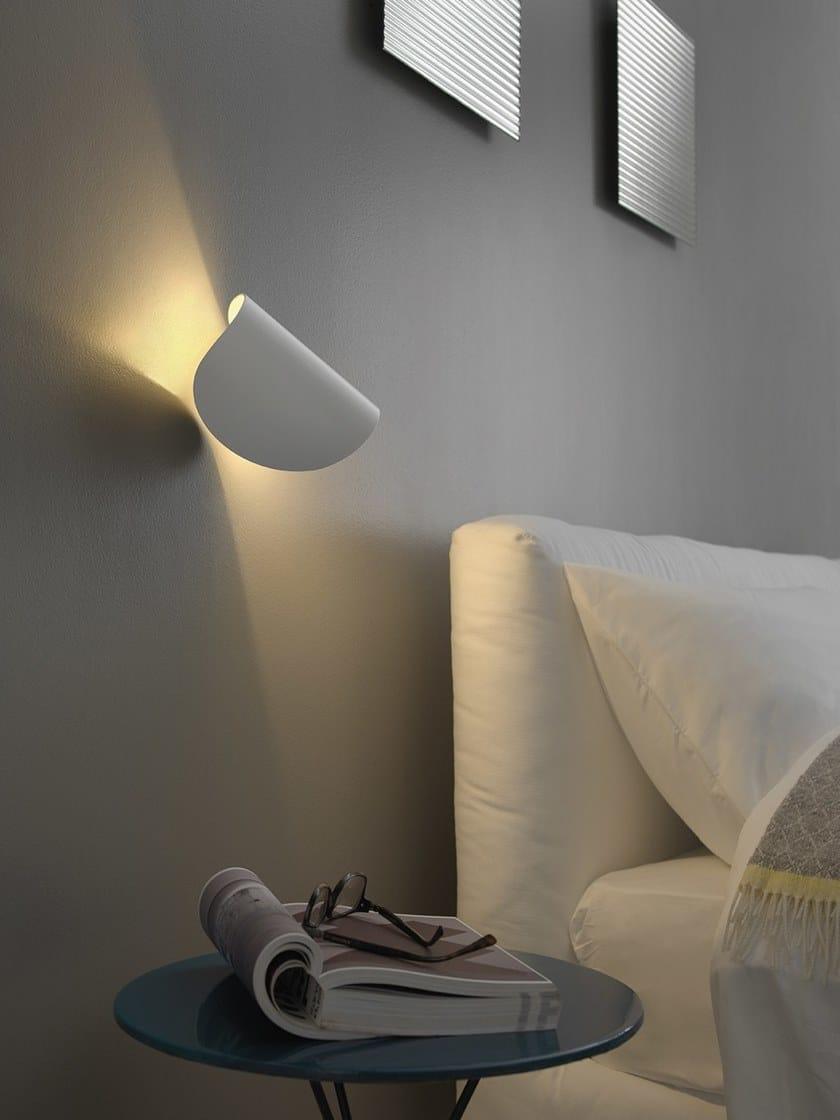 LED wall light FONTANAARTE - IO White by Archiproducts.com