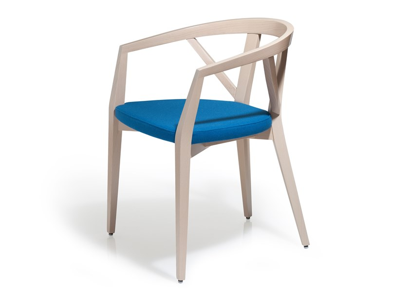 Beech chair with integrated cushion FOREST | Chair with armrests by Blifase