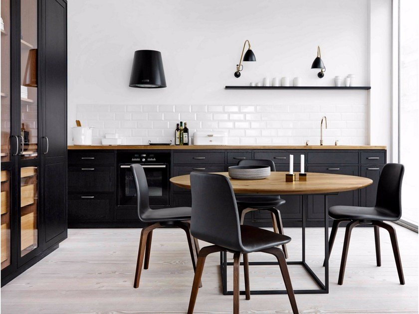 Linear solid wood kitchen FORM 12 - BLACK OAK by Multiform