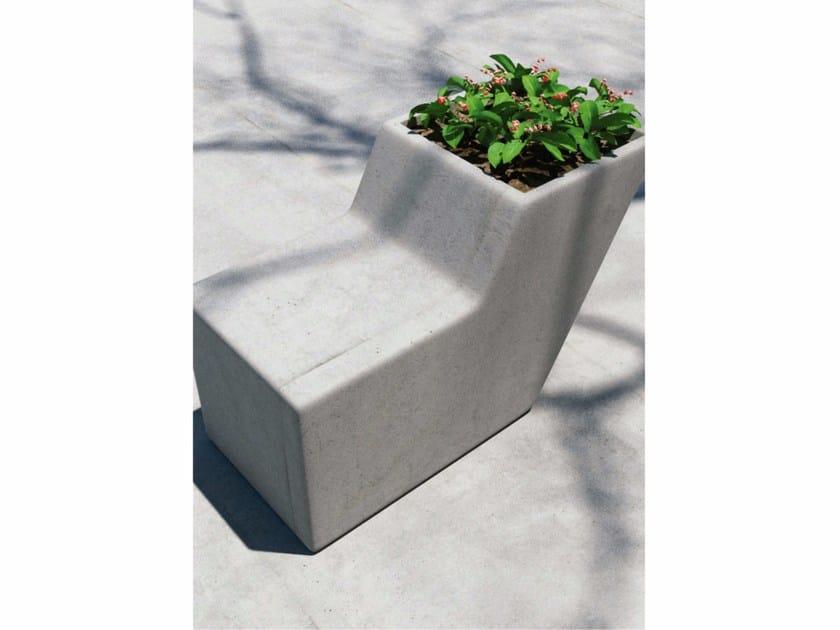 Fioriera per spazi pubblici / seduta da esterni in calcestruzzo FORM by SIT