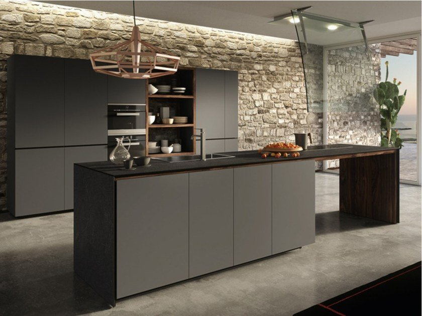 Fitted kitchen with lacquered doors FORMA MENTIS - LACQUERED DOOR by VALCUCINE