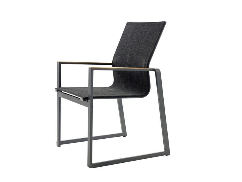 Sedia a slitta impilabile con braccioli FOXX | Sedia impilabile by solpuri
