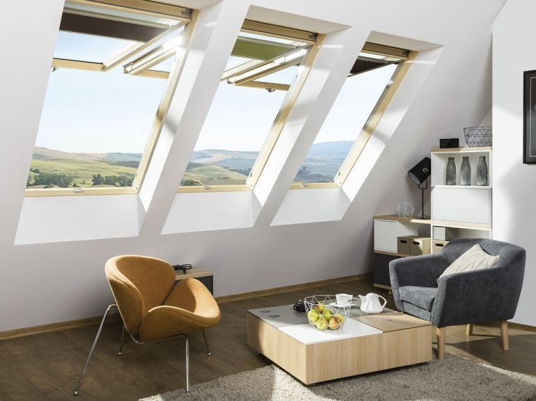 Roof window with two operating mechanisms FPU-V PRESELECT MAX by Fakro