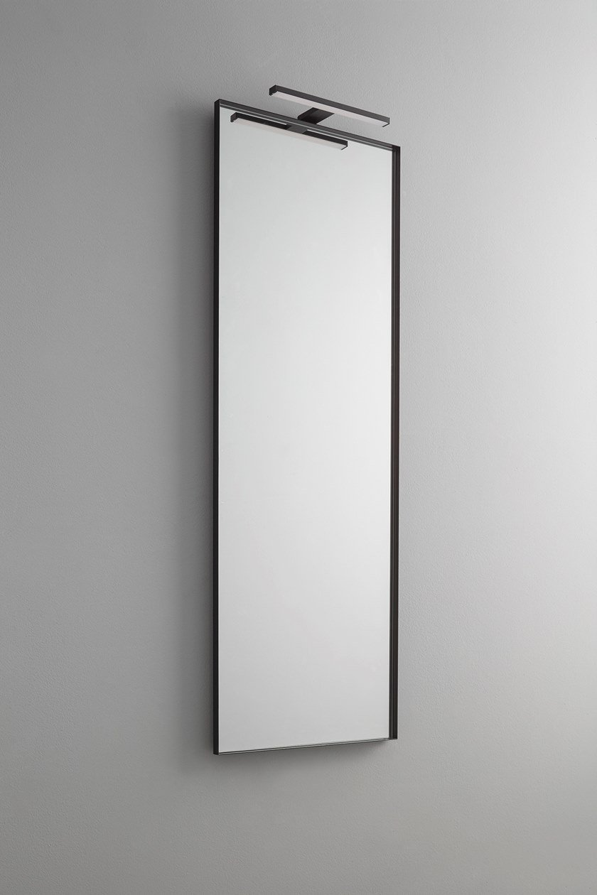 Specchio con illuminazione integrata da parete per bagno
