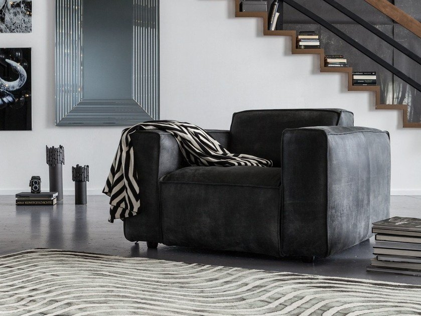 Leather armchair with armrests FRANKI B by KARE-DESIGN