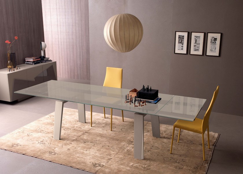 Extensible table with mat sand lacquered trapezoid wooden legs. Top in bright beige safety extra clear glass, mm 12. FREE SABBIA | Extending table by Italy Dream Design