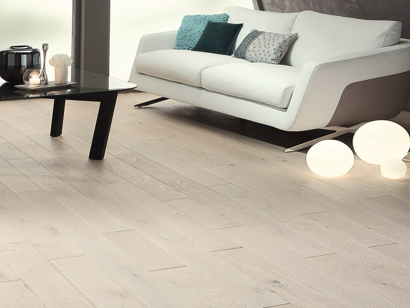 Engineered wood floor FRENCH OAK AUTHENTIC SAPHIR DIVA 139 by PANAGET