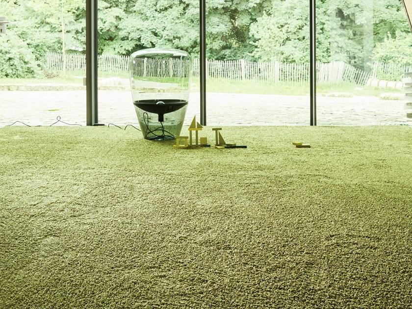 Solid-color carpeting FRIZZLE 1400 by OBJECT CARPET