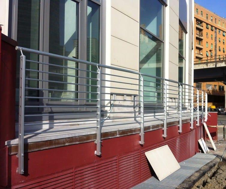 Parapetto in alluminio per finestre e balconi frosinone by for Finestre orizzontali