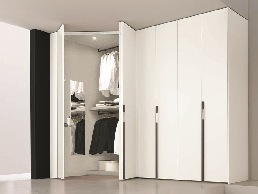Sectional lacquered wardrobe FURNISHED SPACES by Gruppo Tomasella