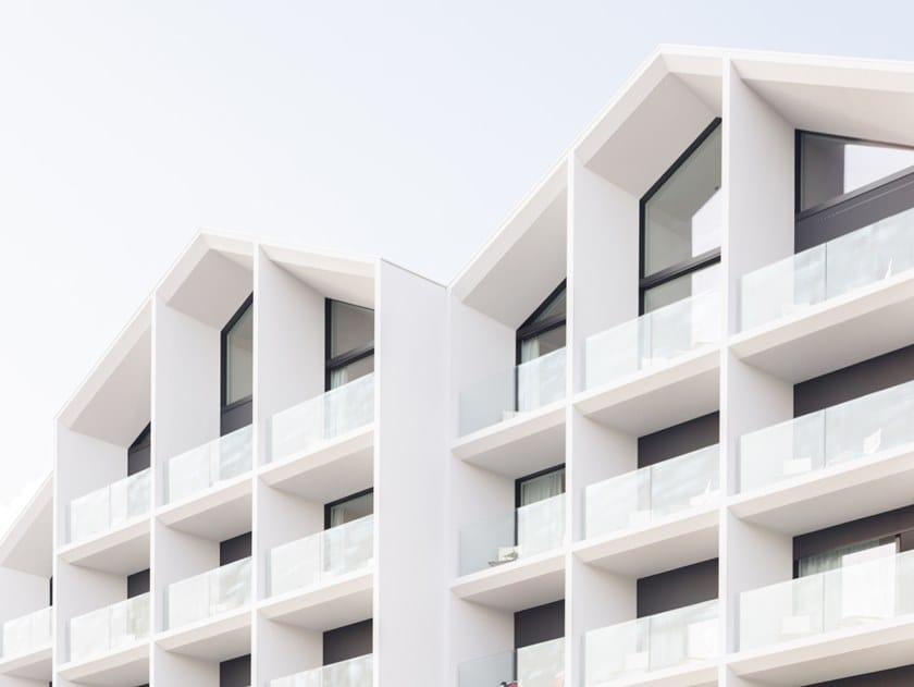 Parapetto in vetro per finestre e balconi GARDA AP Filo Pavimento by ALUVETRO