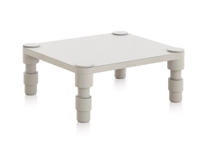Square thermo lacquered aluminium garden side table GARDEN LAYERS BLUE | Coffee table by GAN