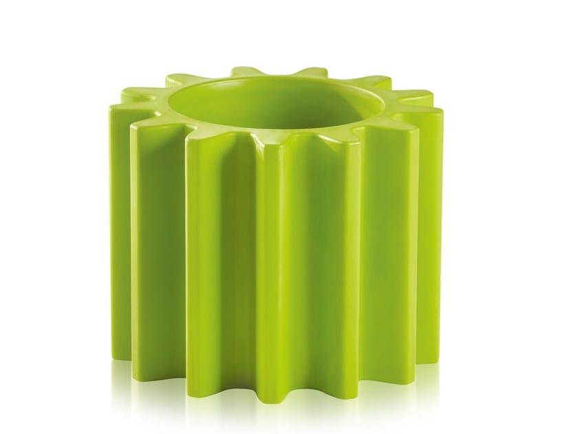 Polyethylene vase GEAR POT by SLIDE