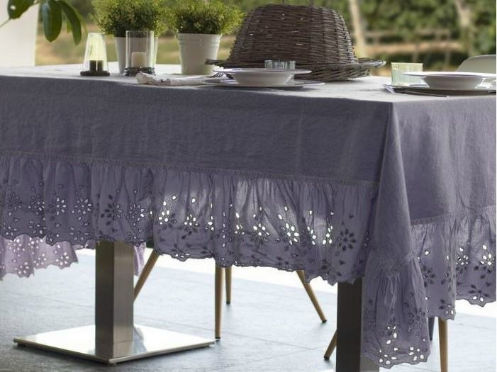 Linen tablecloth GENZIANA | Tablecloth by LA FABBRICA DEL LINO