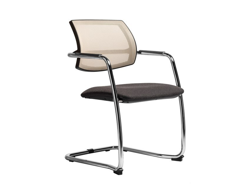 Cantilever fabric chair with armrests GEORGIA | Fabric chair by AP Factor