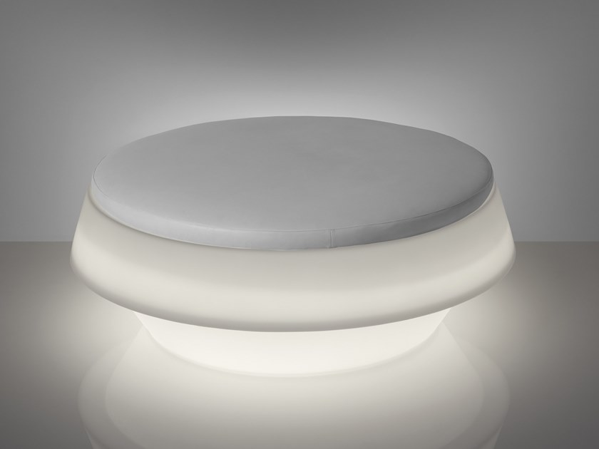 Round polyethylene pouf with light GIÒ POUF by SLIDE