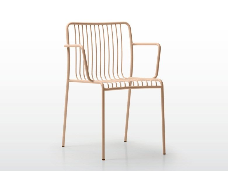 Stackable steel garden chair with armrests GILDA | Chair with armrests by Quinti Sedute