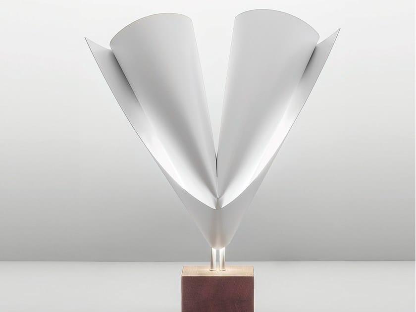 Lampada da tavolo in acciaio e legno GINEVRA by Firmamento Milano