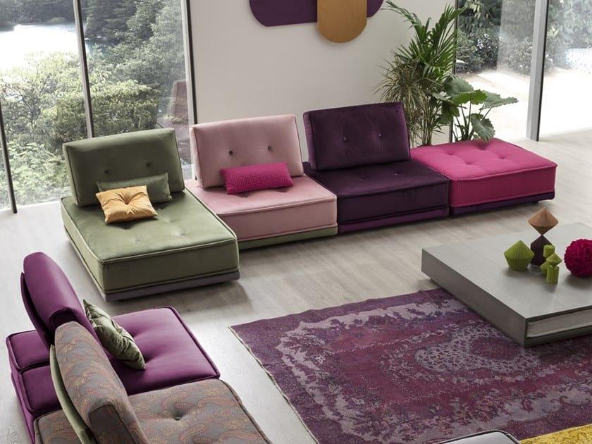 Divano componibile in tessuto con chaise longue GIPSY | Divano by AERRE ITALIA