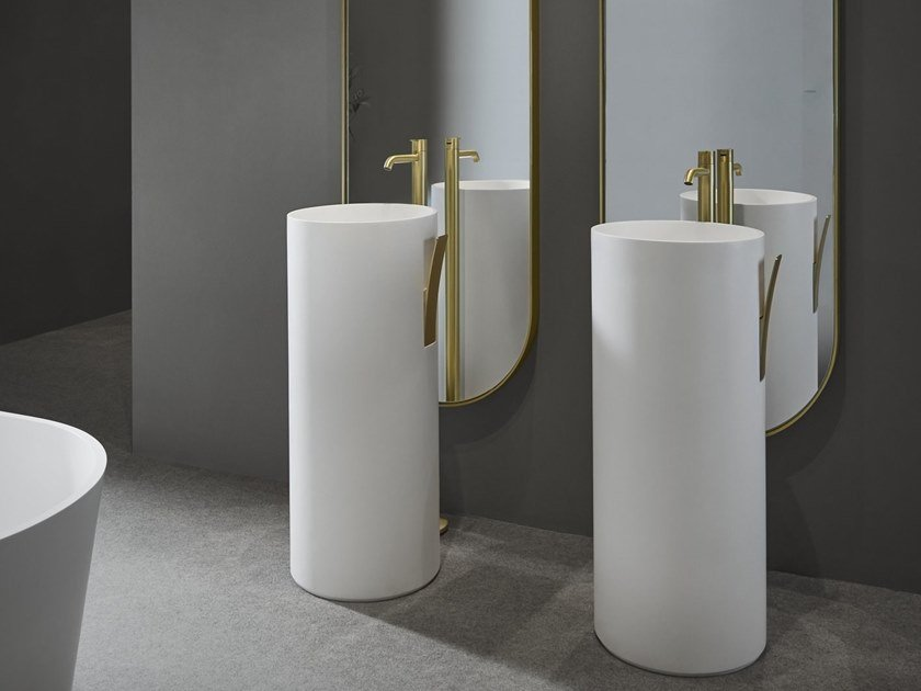 GIRO | Freestanding washbasin