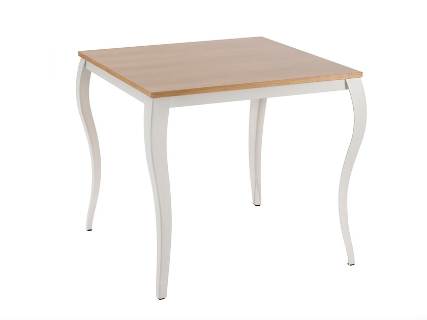 Square table GLAN | Square table by Mara