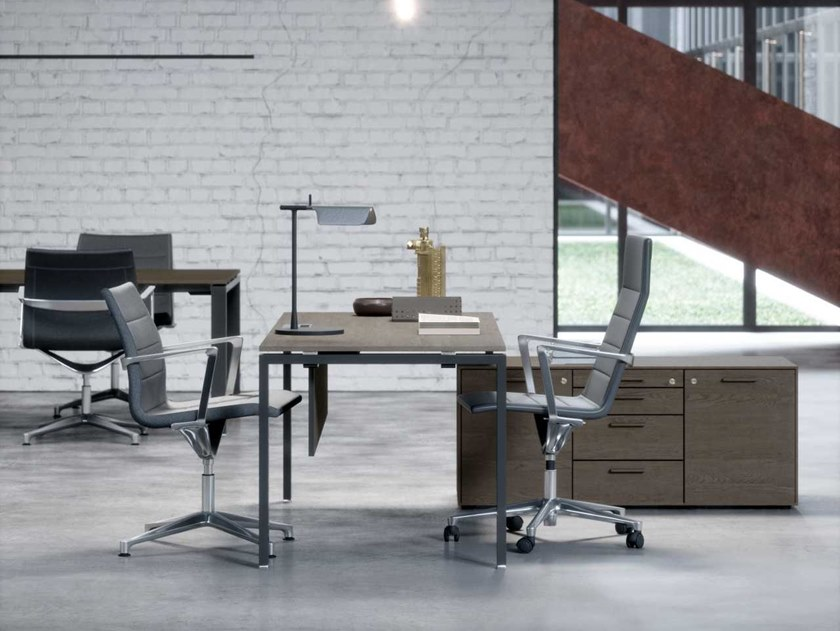 Desk with shortened leg on service cabinet GLIDER | Executive desk by Bralco