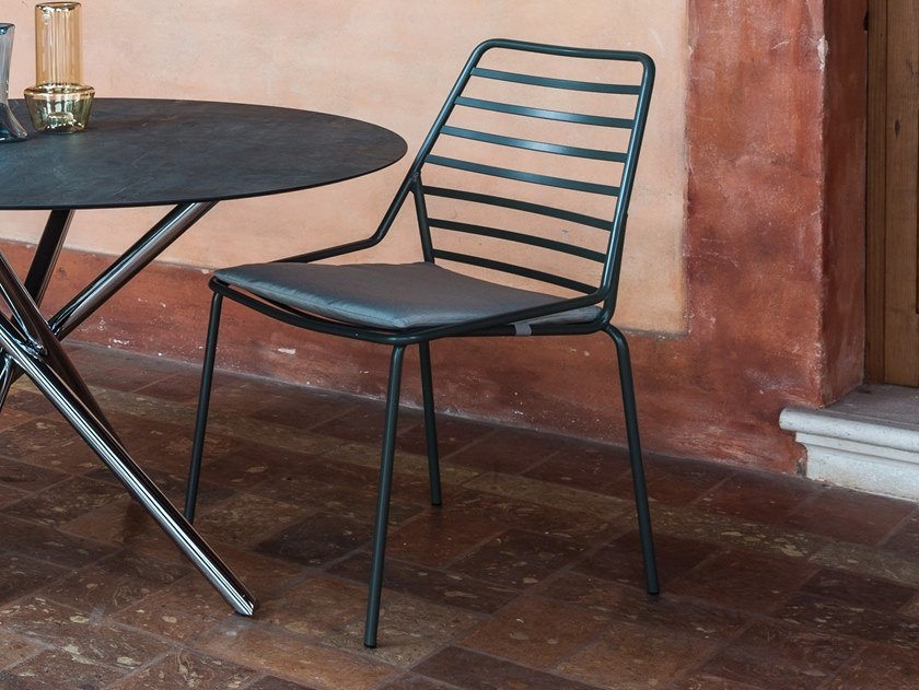 Stackable metal chair GORKY | Chair by iCarraro