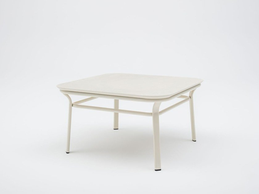 Lacquered square bistro side table GRACE | Square coffee table by MDD