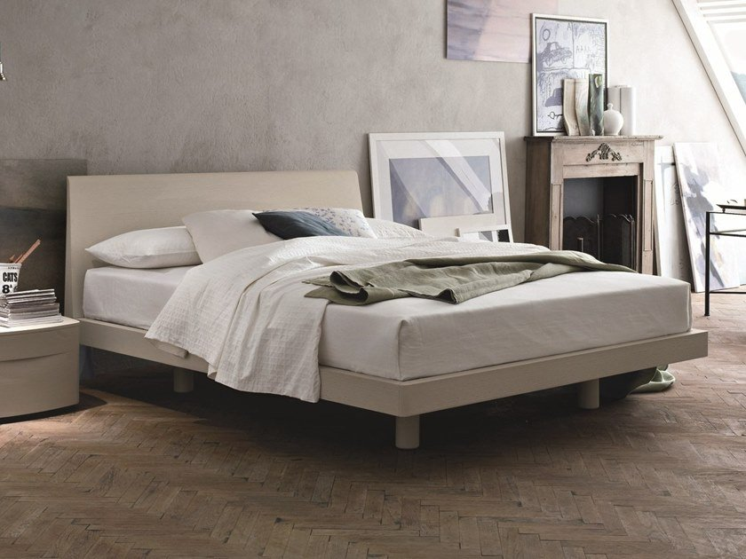 Lacquered wooden double bed GRACE by Gruppo Tomasella