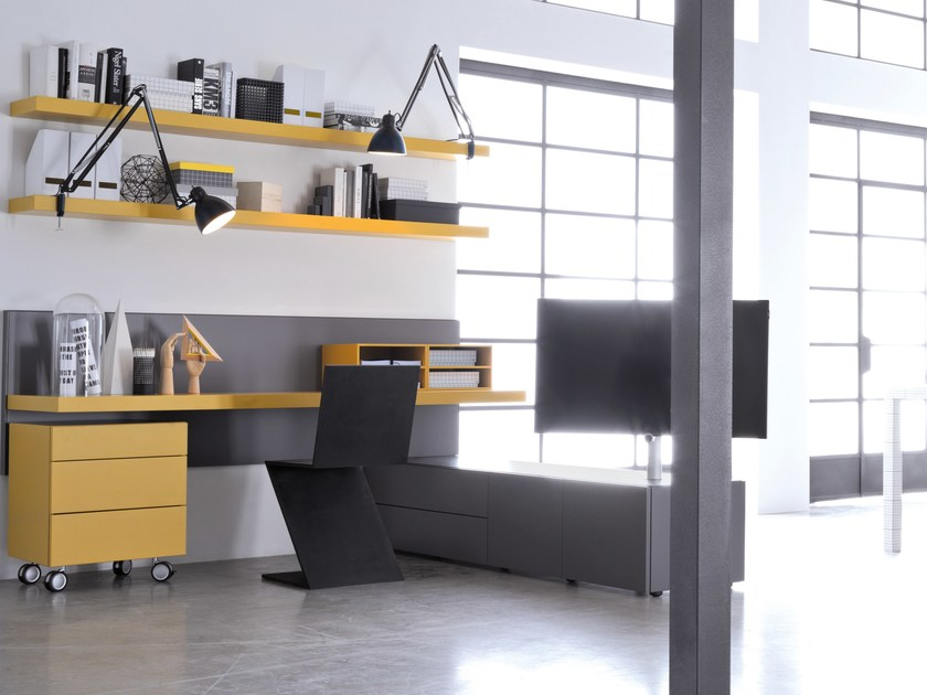 Sectional Office Desk With Shelves Graphos By Silenia
