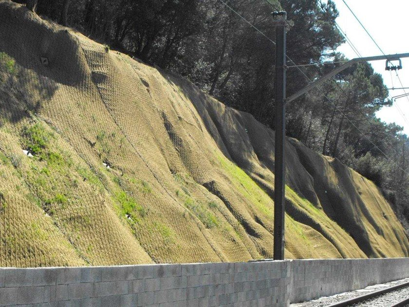 Slope stabilization Protective mesh GREENAX® by GEOBRUGG