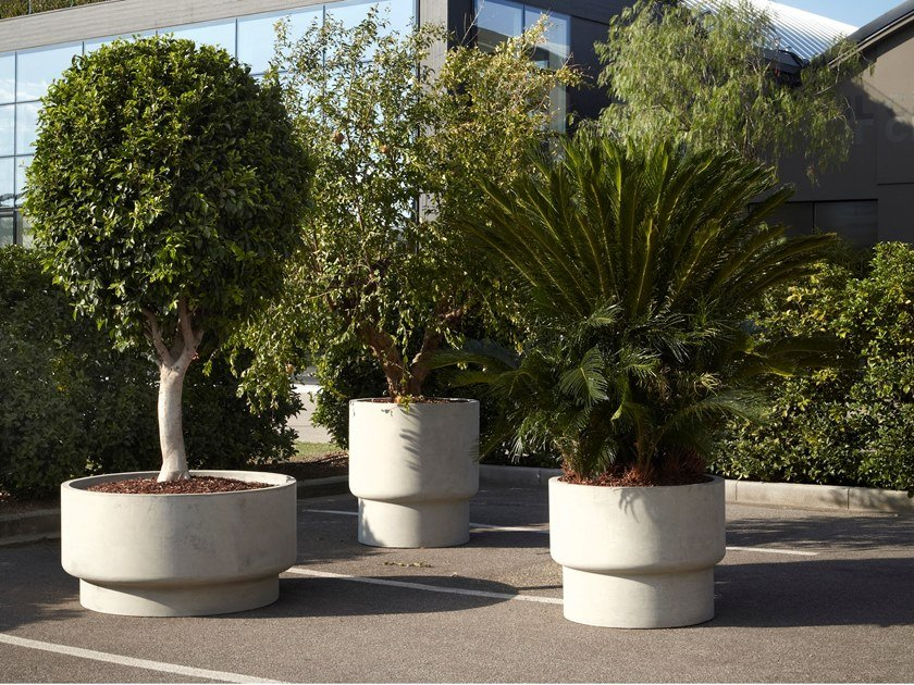 Cement garden vase GULLIVER by Antonio Lupi Design