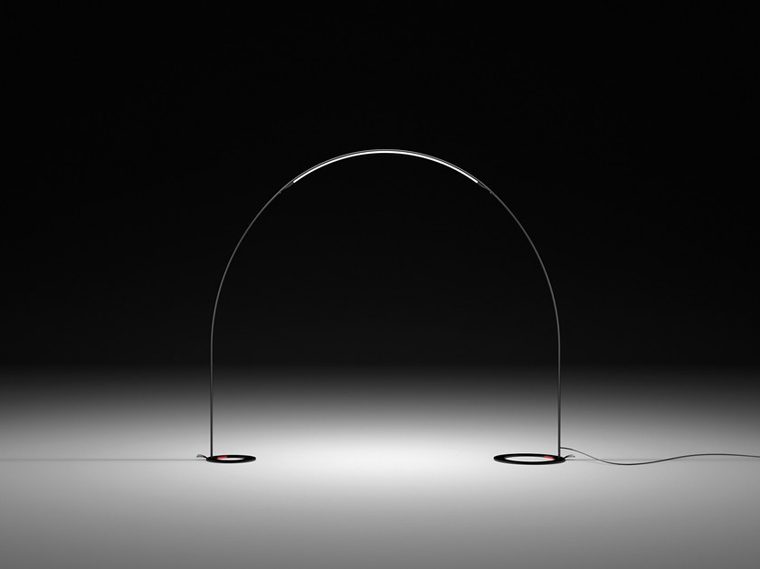屋外の床ランプ halley by vibia デザイン jordi vilardell
