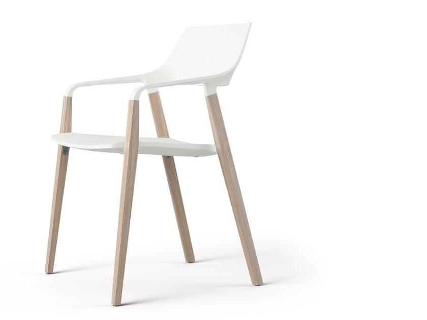 Sedia impilabile con braccioli HALM by Brunner