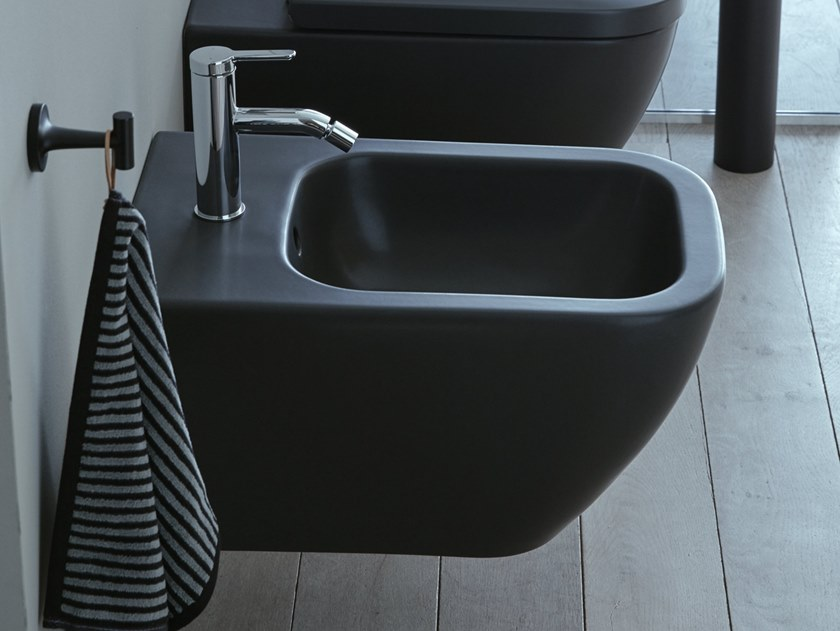 Wall-hung ceramic bidet with overflow HAPPY D.2 PLUS | Bidet by Duravit