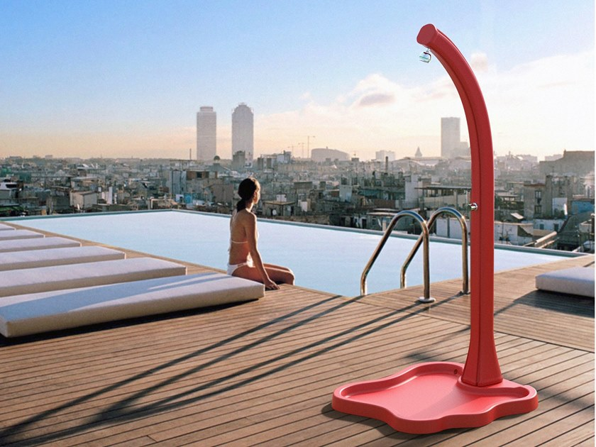 Solar polyethylene outdoor shower HAPPY FIVE F500 by ARKEMA DESIGN