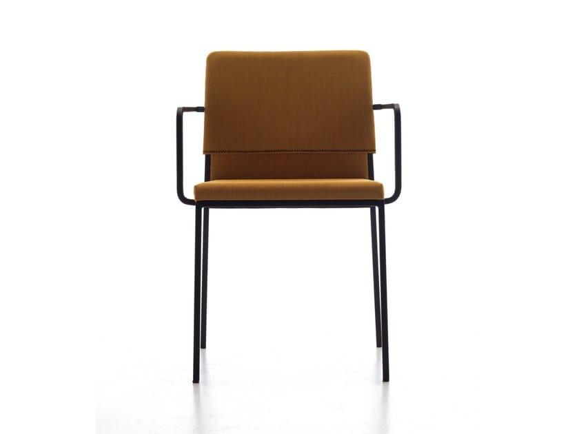 Sedia Imbottita Con Braccioli : Hat sedia con braccioli by arrmet