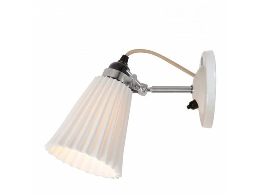 Lampada da parete orientabile in porcellana HECTOR MEDIUM PLEAT SWITCHED | Lampada da parete by Original BTC