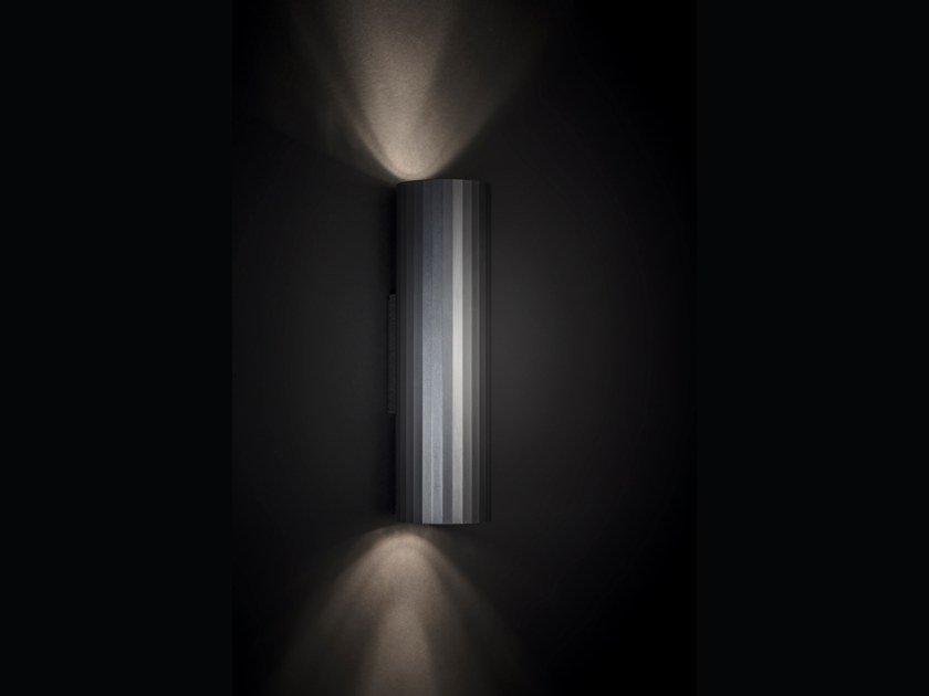 Direct-indirect light wall light HEDRA | Wall lamp by Delta Light