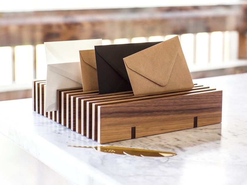 Bandeja para documentos de madera HESPERIDE | Bandeja para documentos by Schönbuch