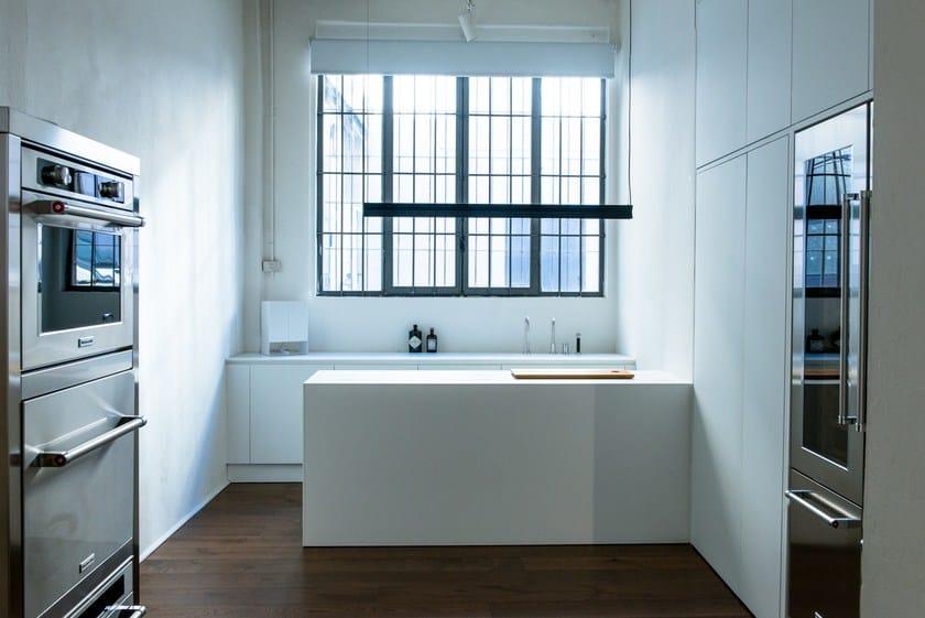HI-MACS® per top cucina Cucinabianca, Design: Simone Piva, HI-MACS® Alpine White, Photo: © Simone Piva & Marco Spinelli