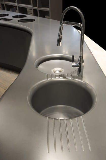 HI-MACS® per top cucina Volare, Aran Cucine. Dform Srl. HI-MACS® Midnight Grey. Photo: © Tiziana Arici