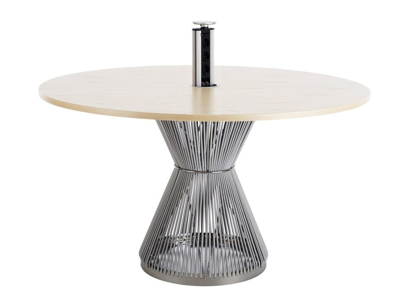 Round Table HIDE | Round Table By Karl Andersson