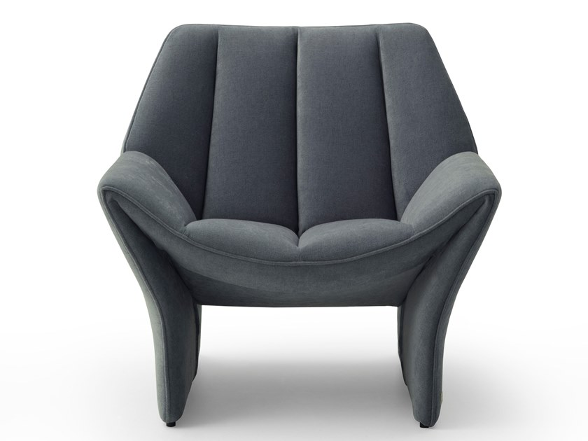 Armchair with armrests HIRUNDO by Busnelli