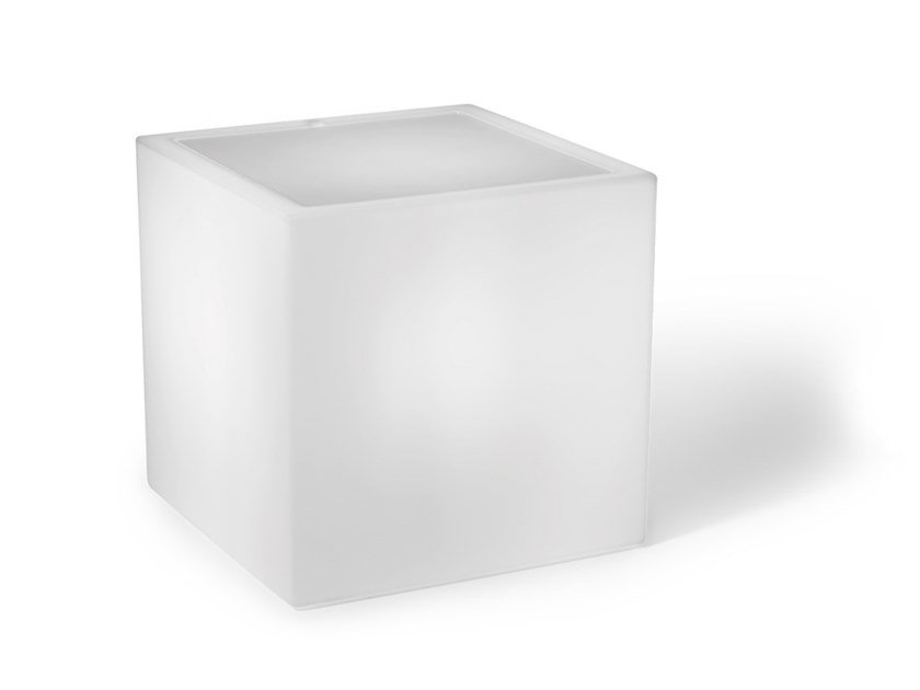 Square polyethylene coffee table with light HOME FITTING CUBO   Garden side table by Lyxo Design