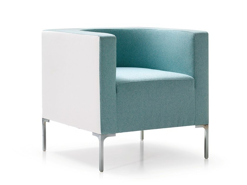Upholstered fabric armchair with armrests HUB | Armchair with armrests by Quinti Sedute