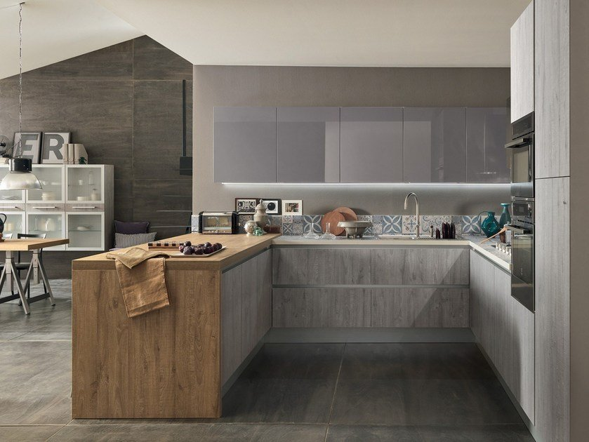 Fitted kitchen with peninsula ICE & SAND | Kitchen with integrated handles by Febal Casa