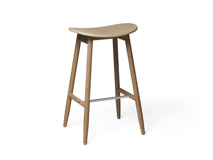 Bar stool in solid wood with a laminated seat ICHA | High stool by Massproductions