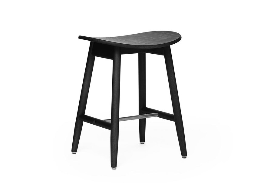 Low stool in solid wood with a laminated seat ICHA | Stool by Massproductions